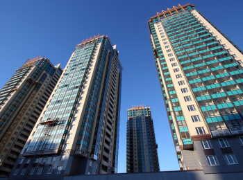 Шесть высотных жилых домов